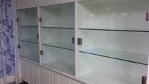 Ons laatste project vitrinekasten